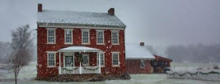 cropped-farmhouse-snow.jpg