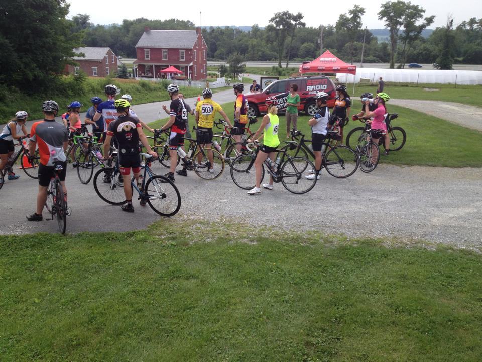 bike riders at teh Horn Farm Cycle the Solstice event