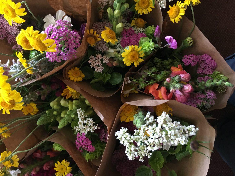 betsys-flower-bouquets